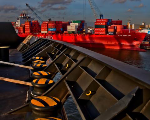 Porto di Livorno - Containership