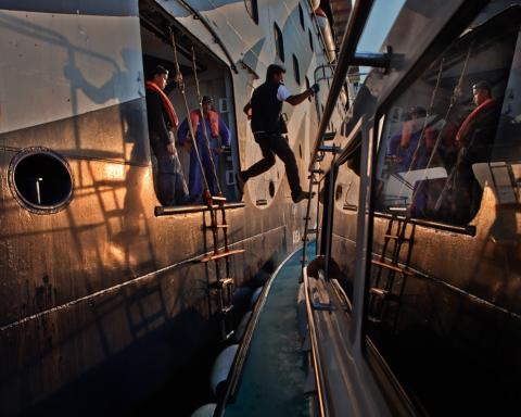Marittimi al porto di Livorno